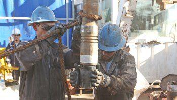 trabajo convoco a petroleras y sindicatos de todo el pais