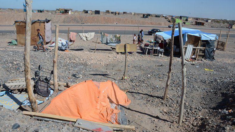 Toma de Casimiro Gómez: 60 familias se retiraron pero todavía quedan unas 150