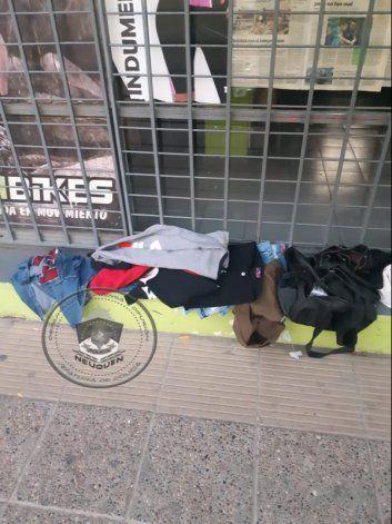 Mecheras atrapadas in fraganti por empleados de un comercio
