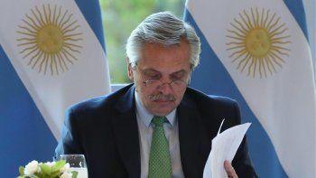 Alberto Fernández les apuntó a los bancos para que brinden créditos a las pymes.