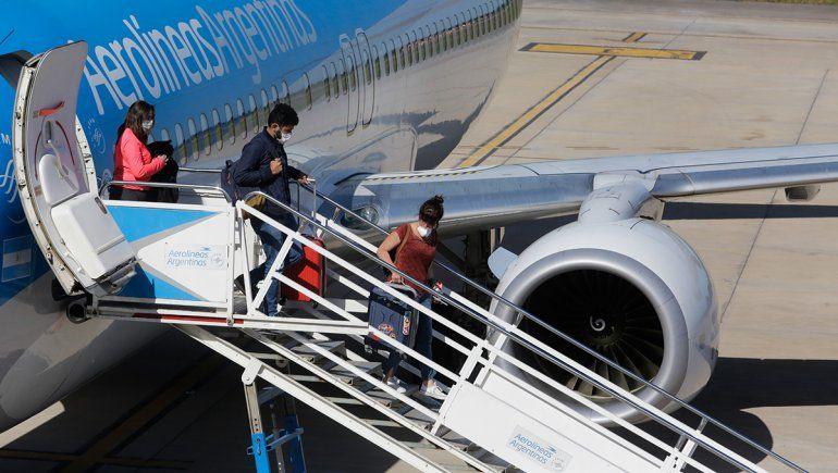 ¿Cuántos argentinos hay varados en el exterior?