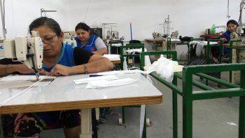 las textiles acordaron con el gobierno la fabricacion de 200 mil barbijos