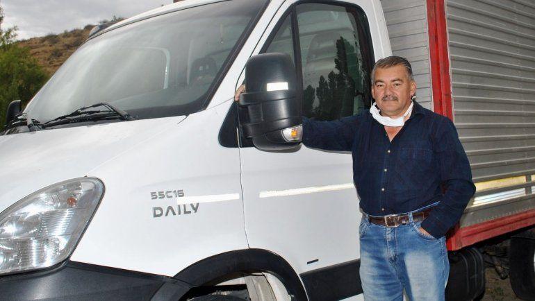 Un vecino de Mariano Moreno puso a disposición su camión