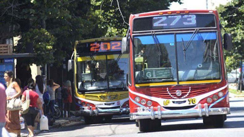 Trabajadores de la salud de La Plata no pagarán transporte