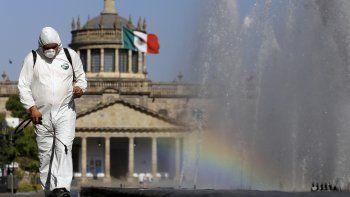 tras las criticas, mexico declaro cuarentena por un mes