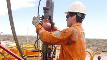 piden sostener el trabajo eventual de los petroleros