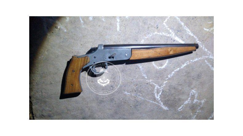 Vecinos denunciaron a un hombre que disparaba al aire en la madrugada