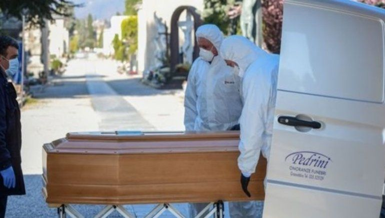 Italia:  837 muertos y más de dos mil contagios en un día