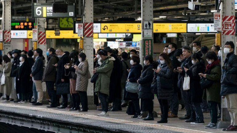 Japoneses crearon la regla de las Tres C para prevenir el coronavirus