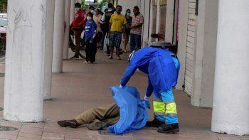 en ecuador hay 120 muertos por coronavirus y hay cuerpos en las calles
