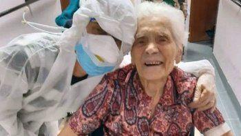 el coronavirus no pudo con una abuela de 104 anos