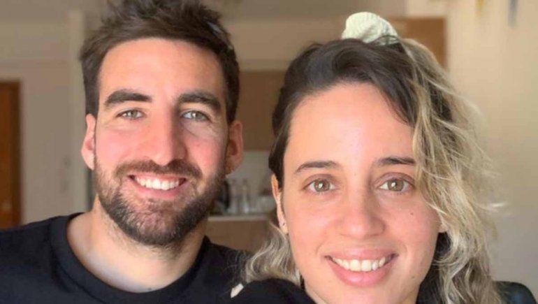 La pareja de campeones neuquinos que la luchan solos en Grecia