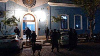 choele choel: una policia dio positivo y aislaron la carcel