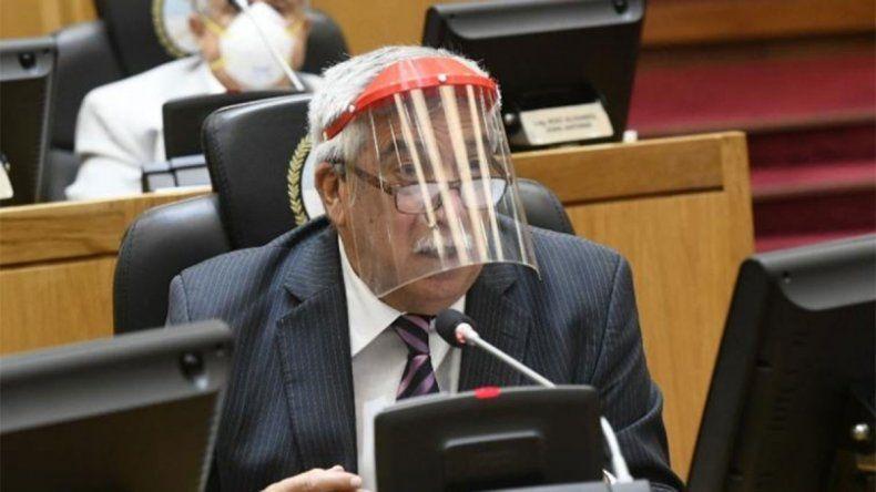 Denuncian que legisladores tucumanos utilizaron máscaras faciales donadas