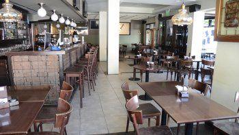 Los restaurantes pelean para mantenerse en pie