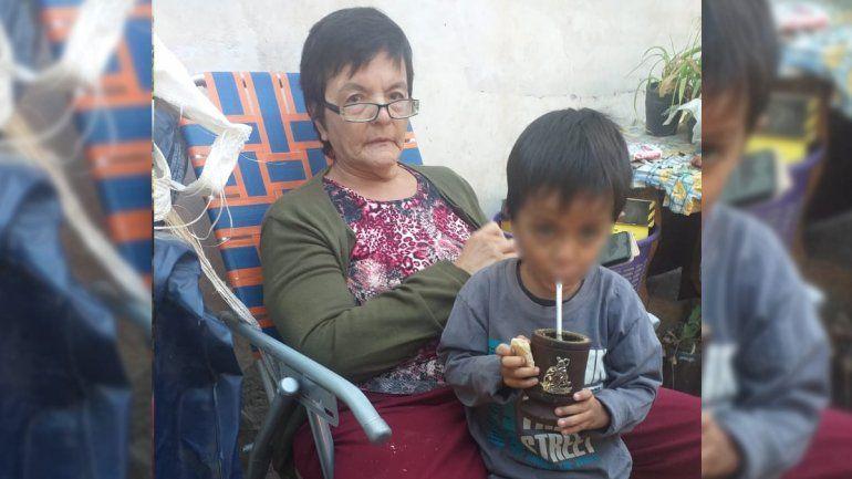 La mamá de Romina es diabética y casi no tiene medicación