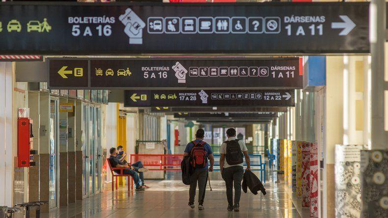 Los estudiantes y repatriados tienen que cumplir la cuarentena de 14 días al llegar a Neuquén