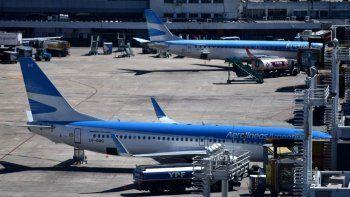 aerolineas suspendera a mas del 60% de sus trabajadores