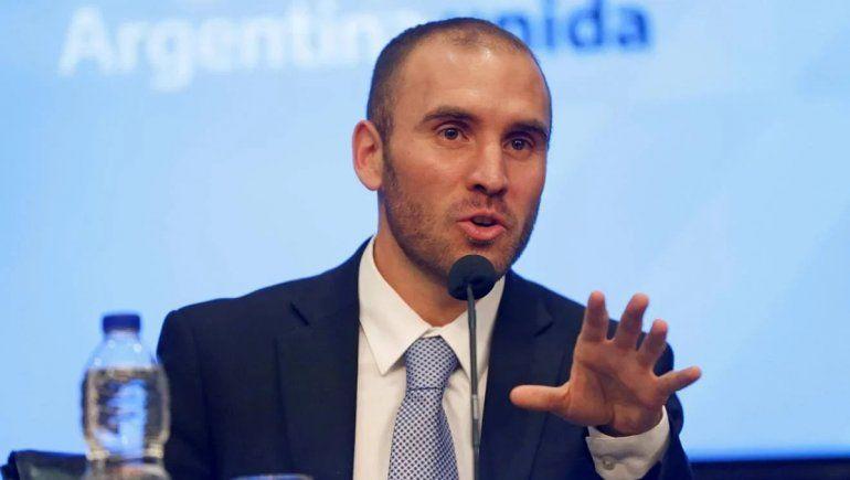Guzmán consiguió el respaldo de 138 economistas de elite