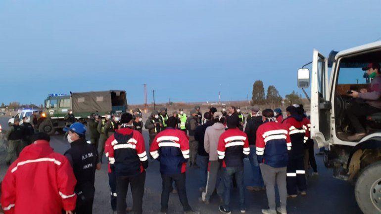 Mineros cortan la Ruta 22 tras una nueva reunión fallida con la empresa