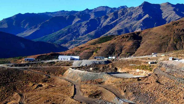 El Gobierno neuquino rescindió la concesión a la minera Trident