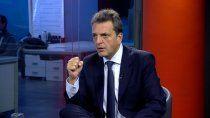Sergio Massa criticó al ex presidente por su viaje a Europa en pleno pico de la pandemia.