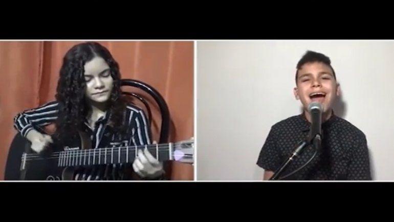Gero Paredes y otros músicos se unieron en un emotivo cover
