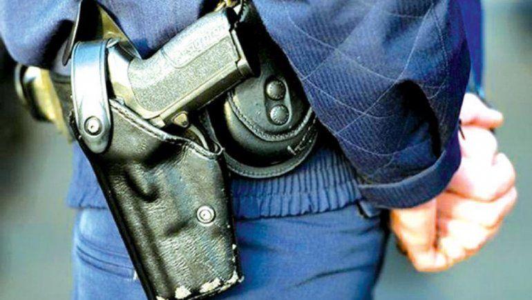 Policías evitaron un robo a disparos en el barrio Mariano Moreno