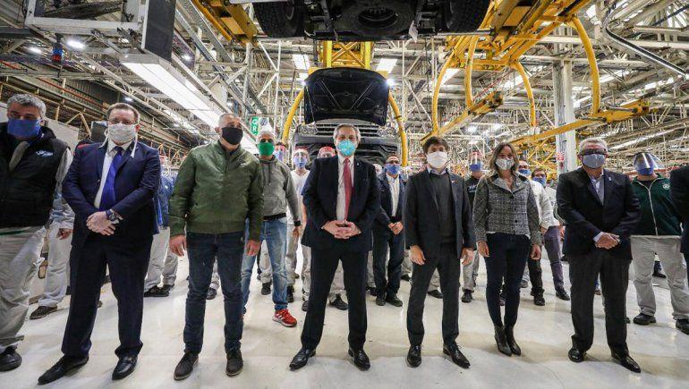 Fernández visitó la primera automotriz en comenzar a operar.