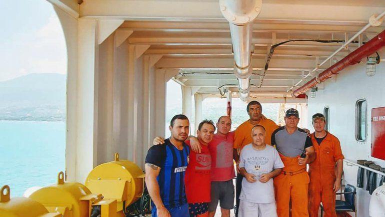 Un buque varado por el coronavirus fue asaltado por piratas
