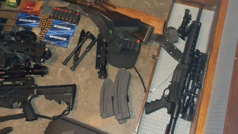 Pai umbanda les alquilaba armas a los chorros del oeste