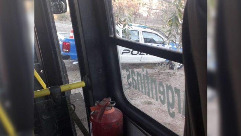 En una hora asaltaron a dos choferes de Autobuses Neuquén