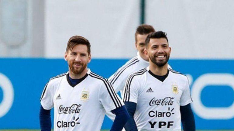 Insólita charla Messi-Agüero cautivó a miles en el mundo