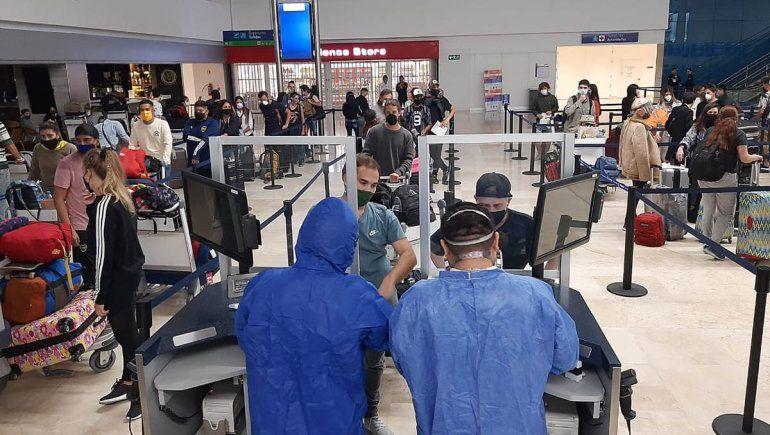 Más de cuatro mil varados regresan al país en nuevos vuelos