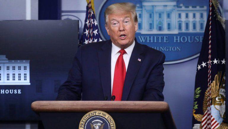 Trump mete presión a los gobernadores