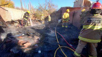 una familia que perdio todo en un incendio que destruyo su vivienda