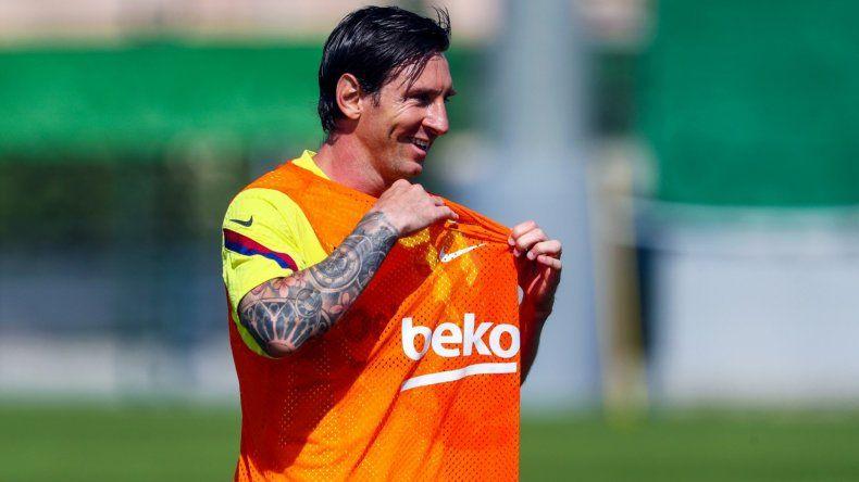 Mirá el golazo y el nuevo look de Messi en el entrenamiento