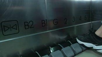 mira los ascensores con pedales que se utilizan en tailandia