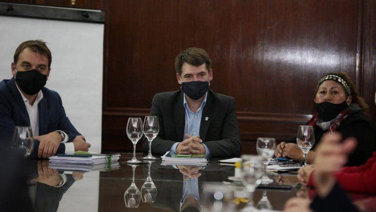 Acuerdan la conformación de una mesa para resolver el conflicto en Villa Mascardi