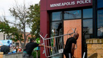 saqueos, incendios y reclamos en estados unidos contra el racismo