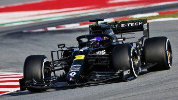 Renault confirmó que seguirá en la F1 gracias a las nuevas regulaciones económicas y técnicas que anunció la FIA días pasados.