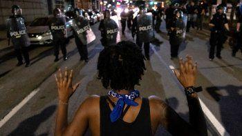 racismo en ee.uu.: violencia y dos muertes