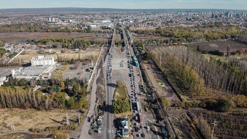 Puentes: habrá un carril exclusivo para trabajadores de salud