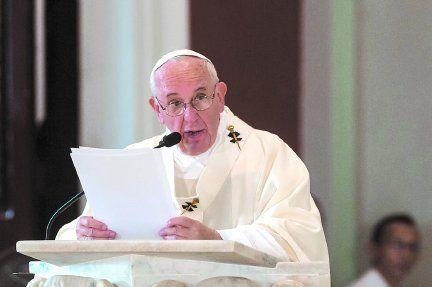 Desde El Vaticano, el Papa envió un mensaje para los peregrinos de la virgen en Centenario.