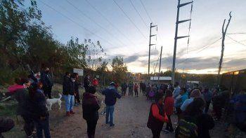 reubicaran a familias ubicadas debajo de lineas electricas