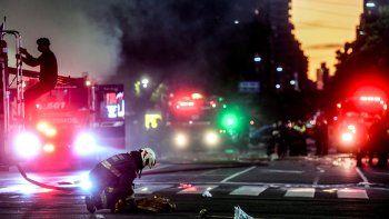 el momento de la explosion en la que murieron los bomberos