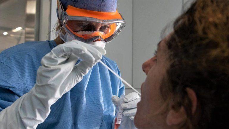 La curva sigue en ascenso, con un nuevo récord de contagios de coronavirus: 949 en 24 horas