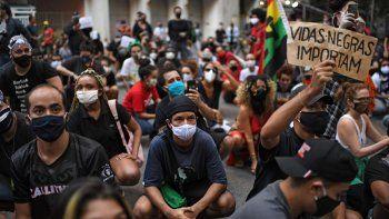 bolsonaro ahora llamo terroristas a los opositores