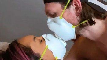 por la pandemia, investigadores de harvard recomiendan tener sexo con barbijo