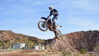 show de saltos y voladas en el coliseo de la barda